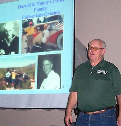 Charlie Maxwell talks about Harold and Nancy Lemay. Photo by Chuck Mathias.